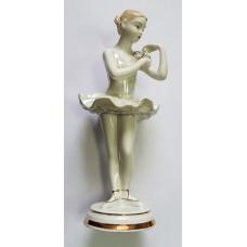 Балерина с венком, Вербилки, СССР.
