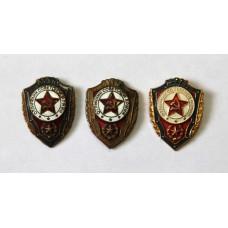 Отличник Советской Армии 3шт. разные 1960-70-е гг. СССР